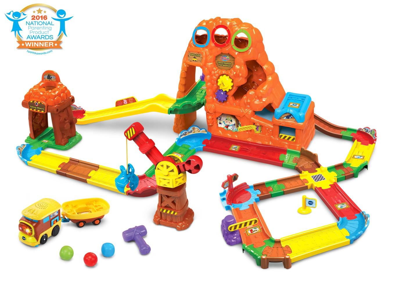 Plan Toys Car Repair