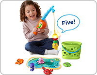 Catch a sea creature on the magnetic bobber and watch it wiggle back and forth. The smart bobber flashes and identifies each animal, its color and number.
